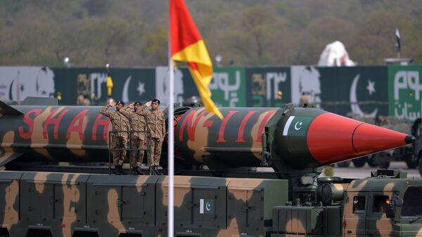 Баллистическая ракета Шахин-3 армии Пакистана во время военного парада в Исламабаде. Архивное фото