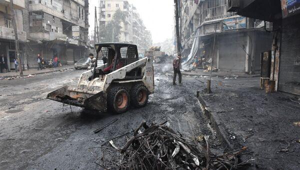 Уборка улицы в Алеппо. Архивное фото