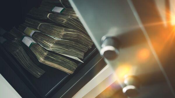 Деньги в банковском хранилище