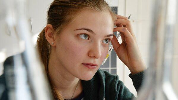 Студентка на экзамене