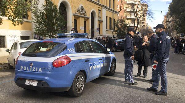 Итальянские полицейские. Архивное фото