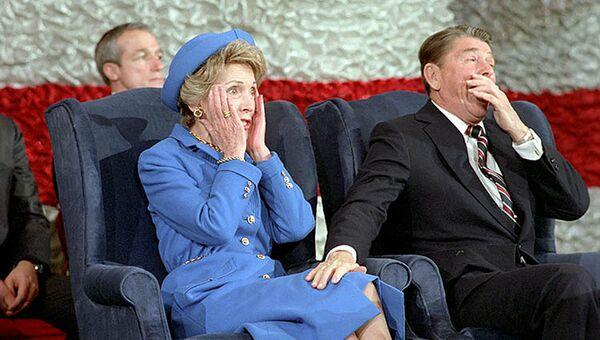 Президент США Рональд Рейган и его жена Нэнси Рейган на церемонии инагурации, 1985 год. Архивное фото
