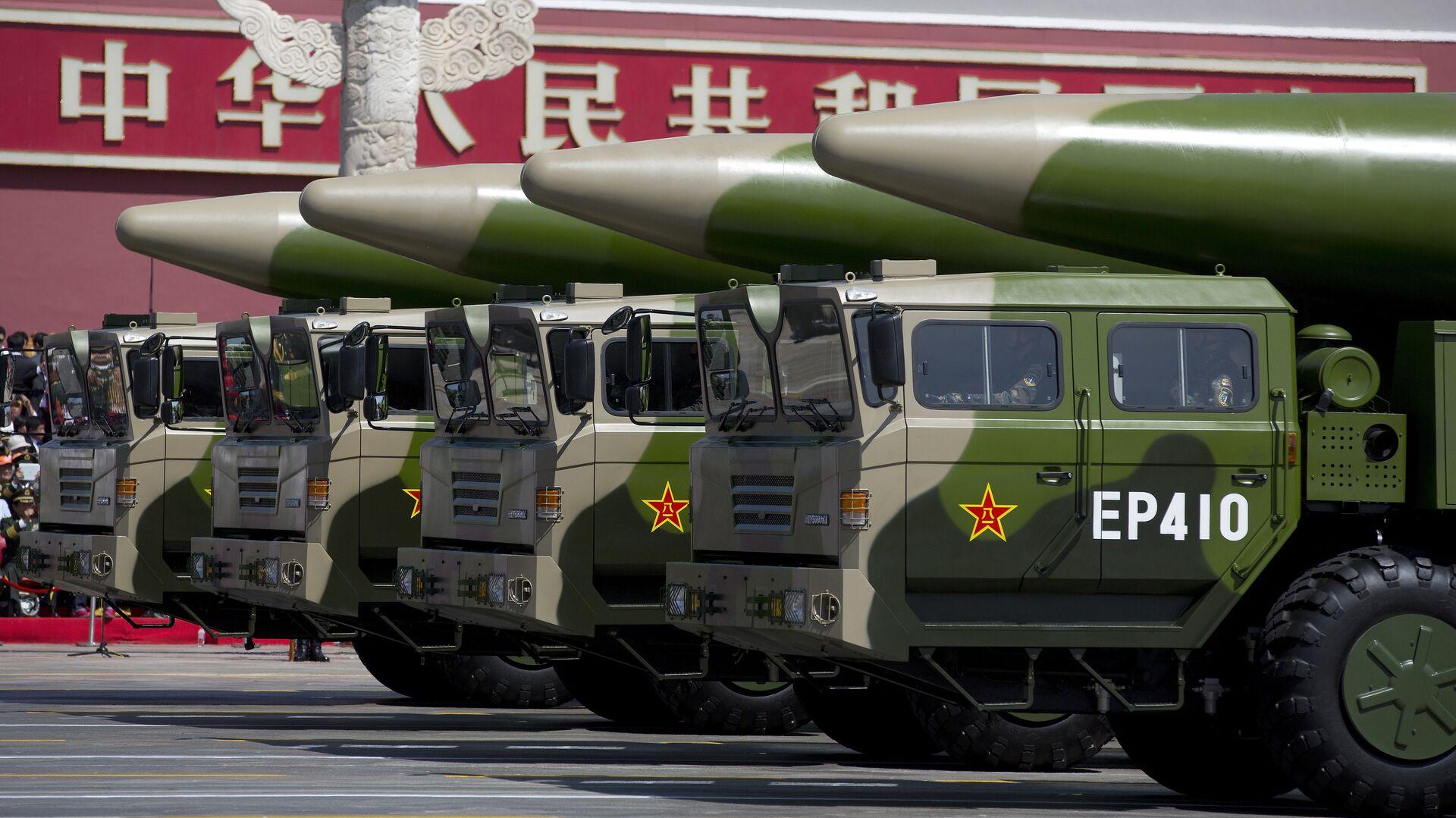Баллистические ракеты армии Китая во время парада в Пекине, КНР - РИА Новости, 1920, 29.07.2021
