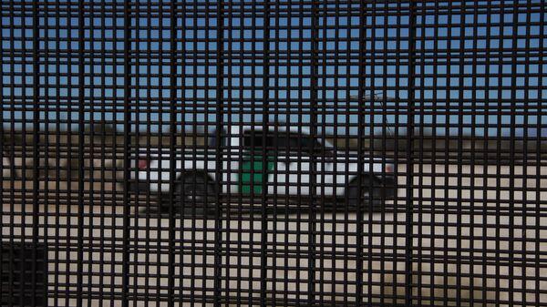 Пограничный патруль США на границе между с США. Архивное фото