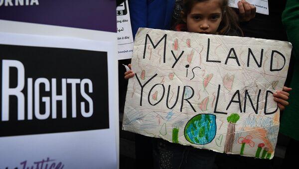 Митинг против миграционной политики президента США Дональда Трампа
