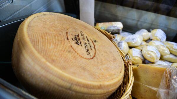 Сырная продукция. Архивное фото