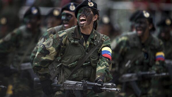 Вооруженные силы Венесуэлы во время парада в Каракасе, Венесуэла. Архивное фото