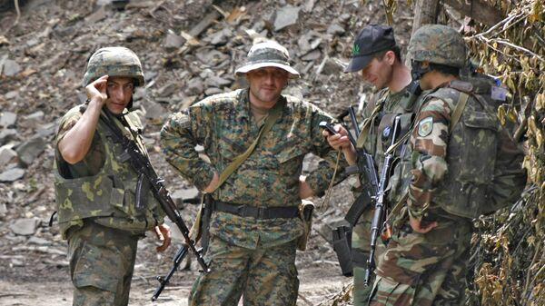 Грузинские военные на грузино-абхазской границе в Кодорском ущелье. 2008 год