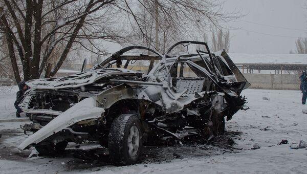 Взорванная машина начальника управления Народной милиции ЛНР Олега Анащенко. Архивное фото