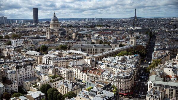Париж с высоты птичьего полета. Архивное фото