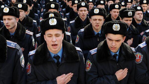Курсанты полиции Украины в центре Львова. Архивное фото