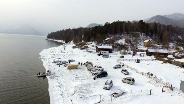 Операция по поиску вертолета Robinson R-66 на Телецком озере на Алтае