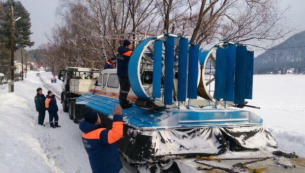 Поиски вертолета Робинсон, потерпевшего крушение и упавшего в Телецкое озеро (Республика Алтай)