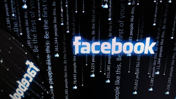 Американский профессор заявил, что сбои в соцсетях совпали с разоблачениями