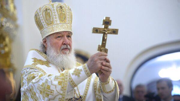 Патриарх Московский и всея Руси Кирилл. Освящение храма. Архивное фото