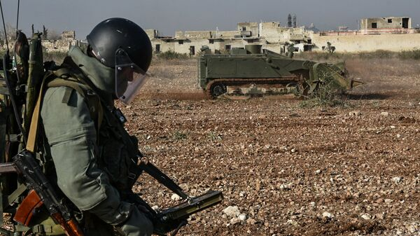 Военные инженеры сводного отряда Международного противоминного центра Вооруженных сил РФ продолжают работу по разминированию восточных районов сирийского города Алеппо