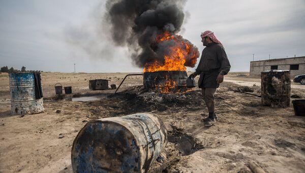 Мужчина в окрестностях Ракки. Архивное фото