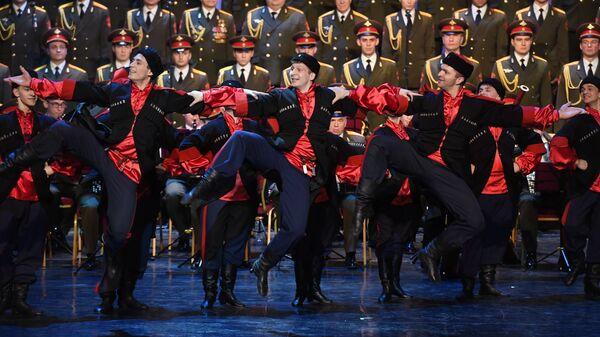 Выступление нового состава ансамбля песни и пляски Российской армии имени А. В. Александрова