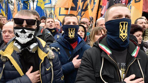 Представители националистических организаций во время митинга в центре Киева. Марта 2017