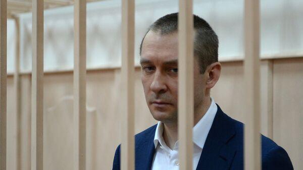 Дмитрий Захарченко в Басманном судом Москвы. Архивное фото