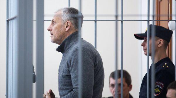 Бывший губернатор Сахалинской области Александр Хорошавин, обвиняемый в получении взяток, на заседании Южно-Сахалинского городского суда