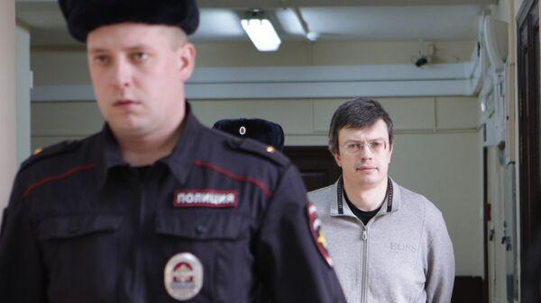 Рассмотрение ходатайства следствия о продлении срока ареста первого замглавы ГСУСК Москвы генерала Дениса Никандрова