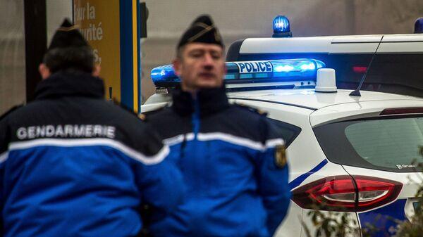 Сотрудники жандармерии и полиции во Франции. Архивное фото