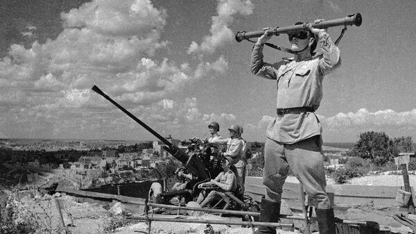 Зенитчики охраняют небо над освобожденным Севастополем