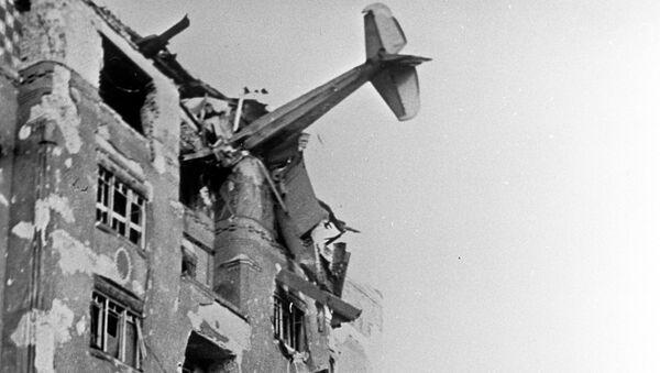 Немецкий транспортный самолет врезался в дом, район Буды, Венгрия