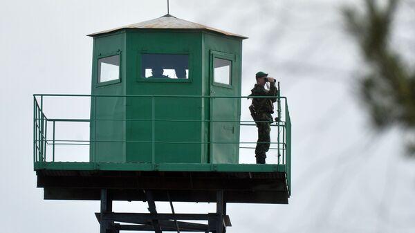 Пограничная вышка наблюдения на на белорусско-украинской границе