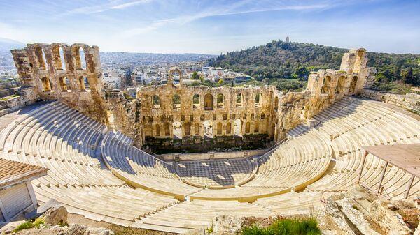Руины древнего театра в Афинах