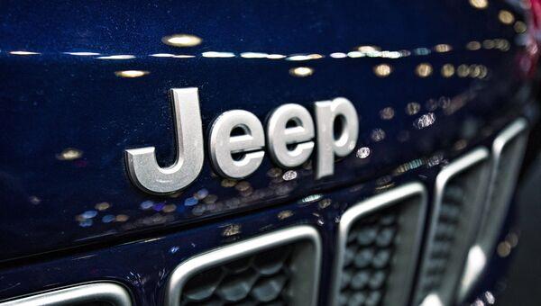 Эмблема Jeep. Архивное фото