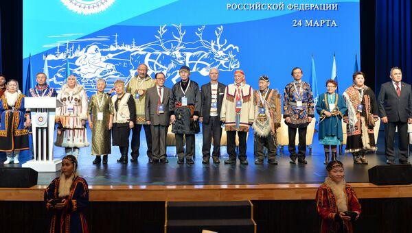 Ритуал благопожелания, напутствия старейшин делегатам съезда на родном и русском языках