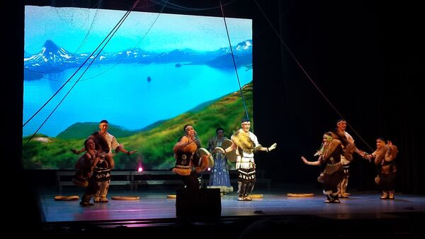 Концерт с участием национальных творческих коллективов ЯНАО на форуме коренных малочисленных народов Севера, Сибири и Дальнего Востока России