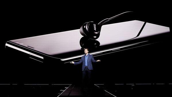 Компания Samsung представила новые флагманские смартфоны Galaxy S8 и S8+