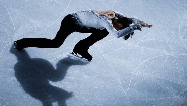 Юдзуру Ханю, занявший 1-е место в мужском одиночном катании, во время показательных выступлений ЧМ по фигурному катанию в Хельсинки
