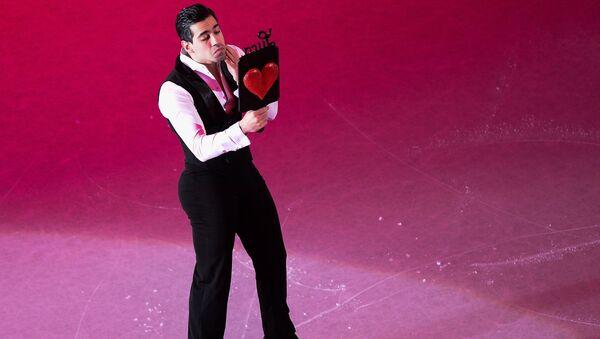 Лука Ланотте, занявший с Анной Каппелини 6-е место в танцах на льду, во время показательных выступлений чемпионата мира по фигурному катанию в Хельсинки
