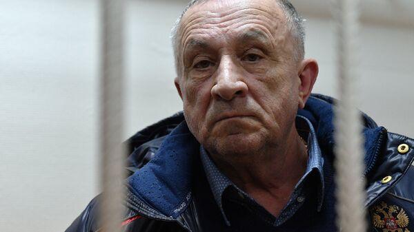 Бывший глава Удмуртии Александр Соловьев в Басманном суде. Архивное фото