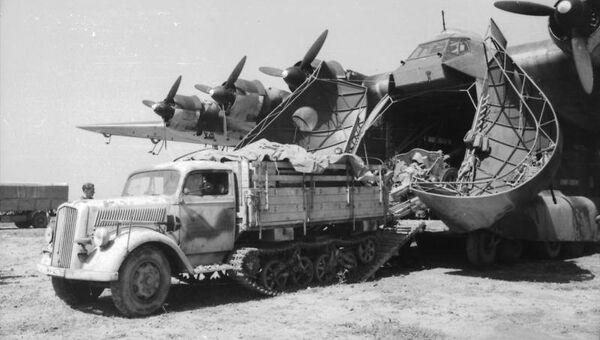 Немецкий автомобиль Opel Blitz Maultier. 1943 год