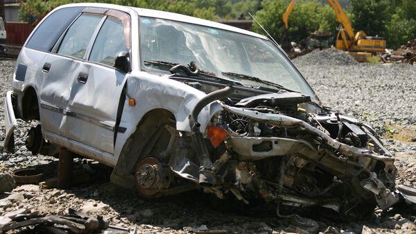 Склад компании по разборке и переработке аварийных машин