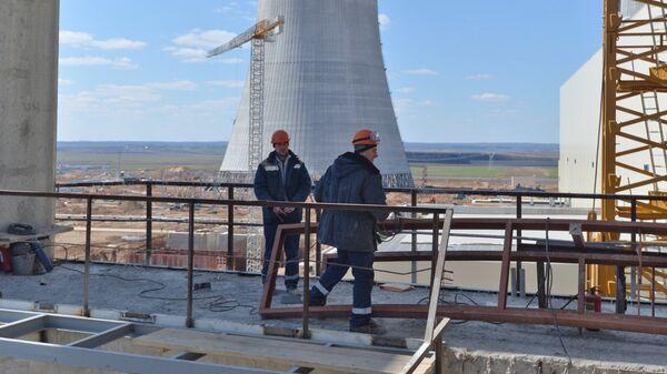 Рабочие на строительной площадке Белорусской АЭС