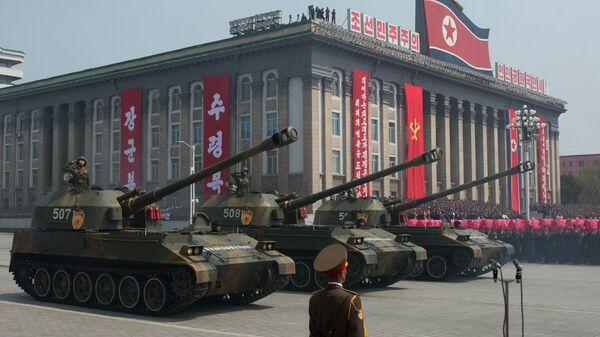 122-мм самоходные пушки М-1991 Корейской народной армии. Архивное фото