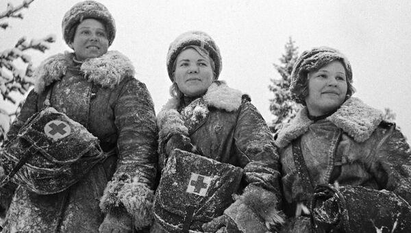 Девушки-санитарки во время Великой Отечественной войны