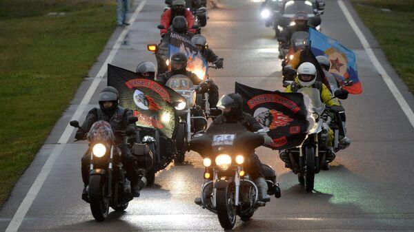 Участники мотоклуба Ночные волки в Минске. Архив