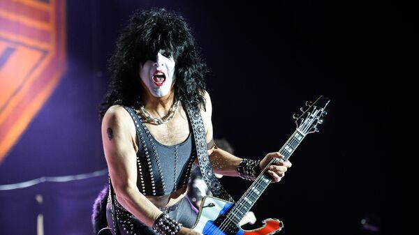 Музыкант группы Kiss Пол Стэнли выступает на концерте в СК Олимпийский в Москве