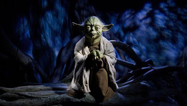 Фигура персонажа Звездных войн магистра Йода