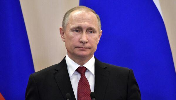 Президент РФ Владимир Путин во время совместной пресс-конференции по итогам встречи с президентом Турции Реджепом Тайипом Эрдоганом. 3 мая 2017