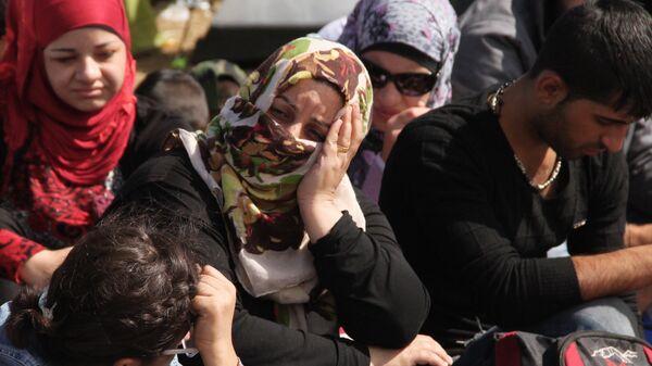 Беженцы-мусульмане на границе. Архивное фото