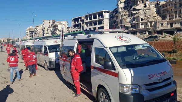 Машины Скорой помощи в освобожденном квартале восточного Алеппо в Сирии