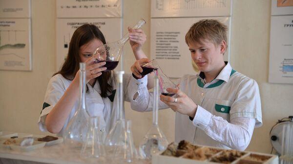Студенты на занятиях в Южно-Уральском государственном аграрном университете в Челябинске